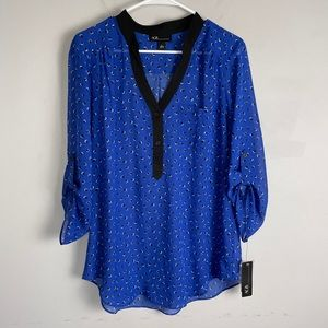 NWT AGB printed button blouse royal blue